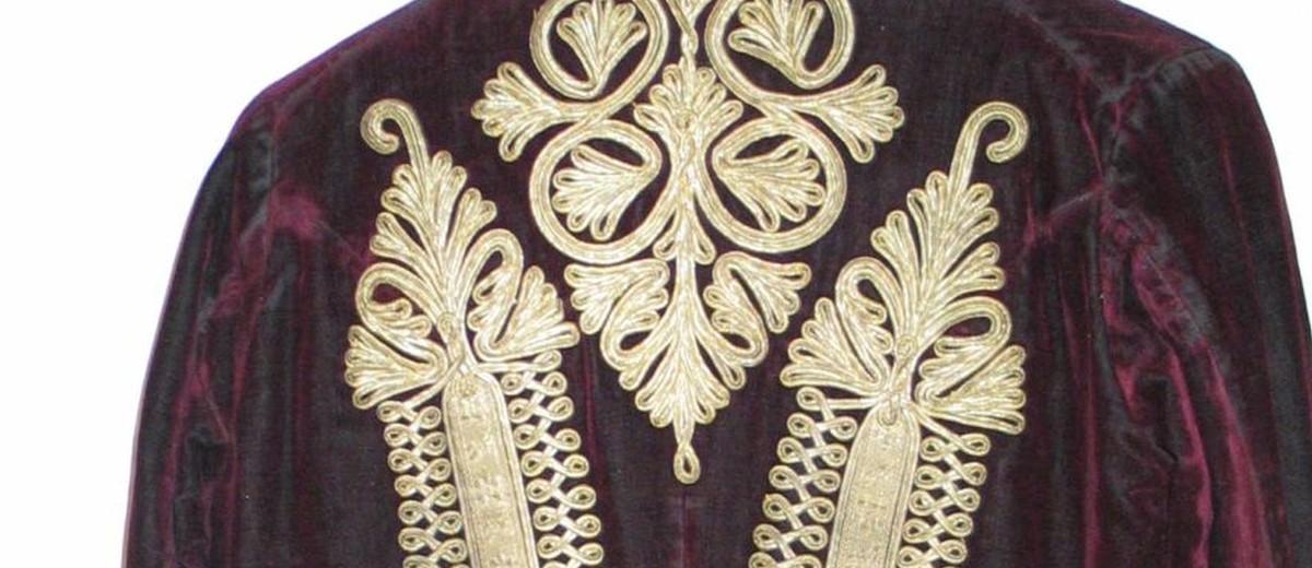 Image: Burgundy velvet male jacket.