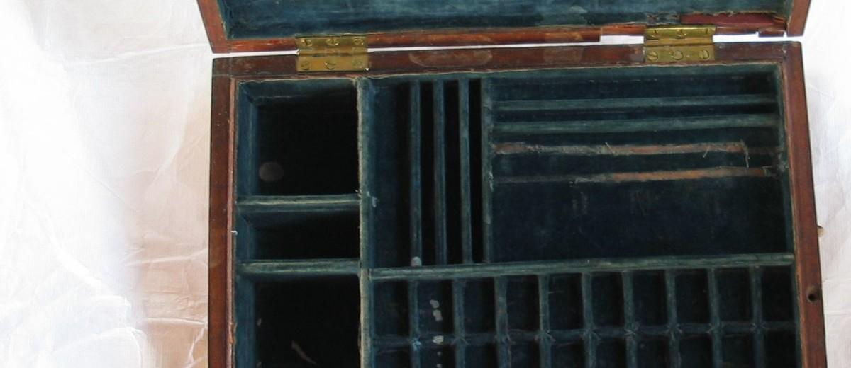 Image: interior of paint box