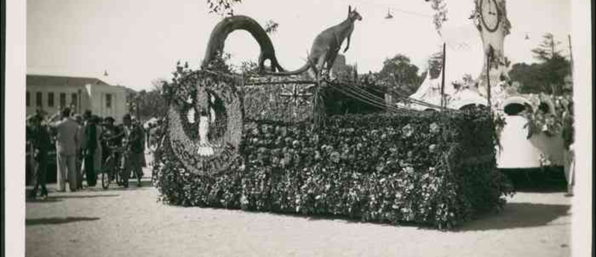 Image: Housewives' Association parade float