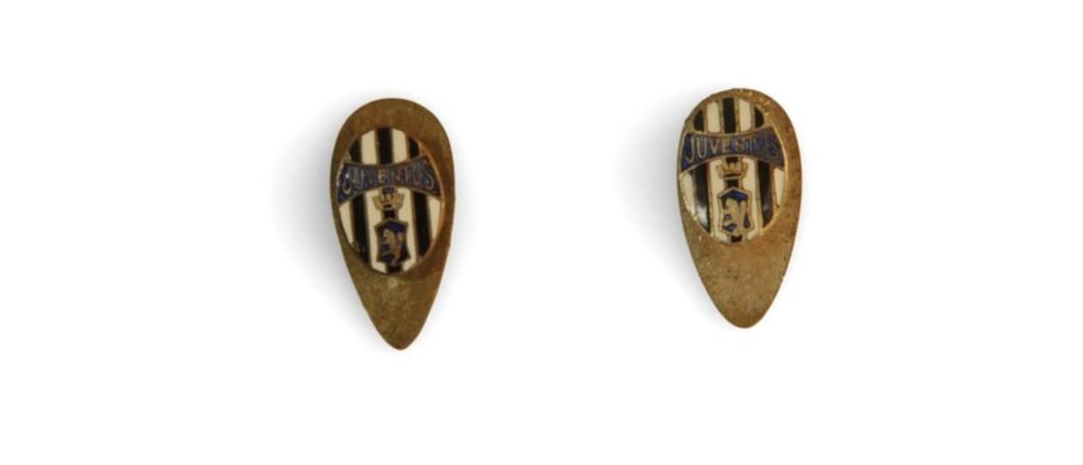 Image: pair of metal cufflinks