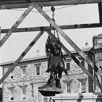 Erecting the South African War Memorial