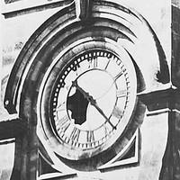 Image: GPO clock earthquake damage