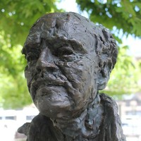 Image: bronze sculpture of man's head