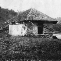Image: Dilapidated toll house building