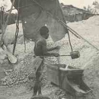 Image: Chinese gold prospector