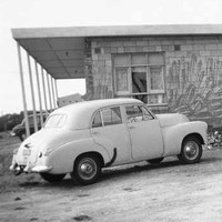 Image: Holden FJ sedan