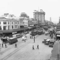 Image: Motor vehicles on King William Street