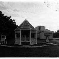 Image : Assorted outbuildings