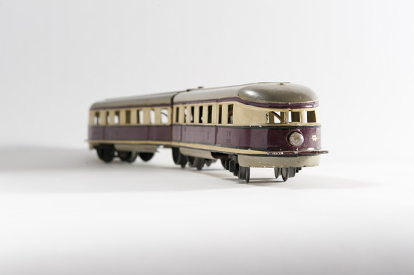 Image: brown and green tin toy train