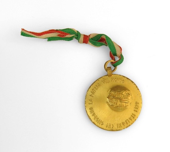Image: bronze medal with striped ribbon