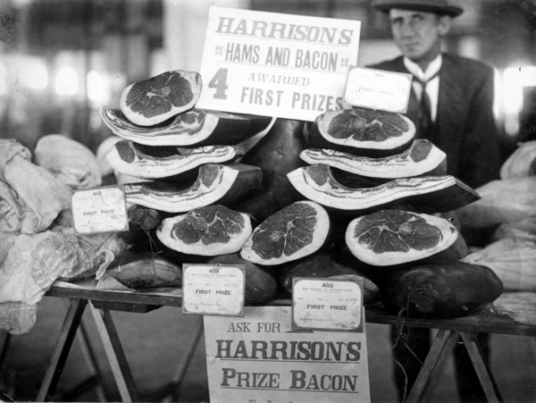 Image: Display of bacon and ham