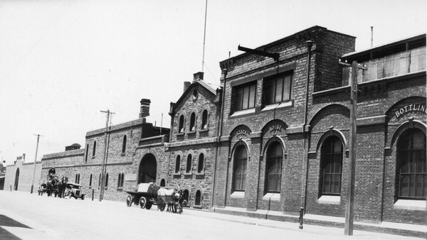West End Brewery, Hindley Street, 1925