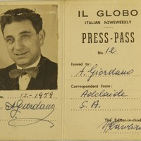 Image: pass card with photo attached