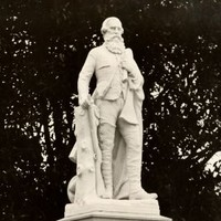 Statue of John McDouall Stuart, unveiled 4 June 1904