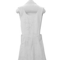 Image: white cotton apron