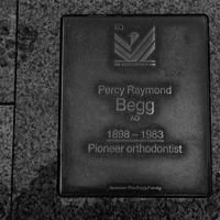 Image: Percy Raymond Begg Plaque